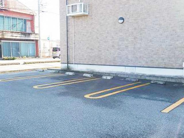 黒部の物件No.21 駐車場